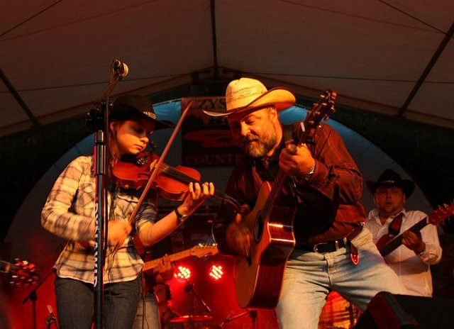 PURE COUNTRY 2010 - SUNDAY